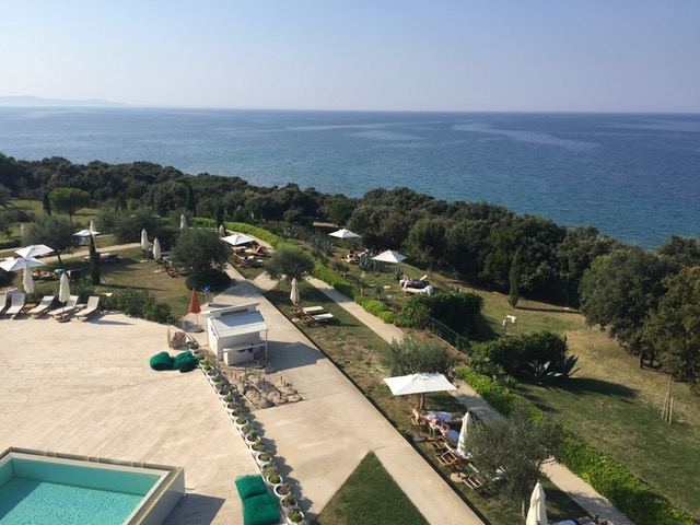 Yoga Reisen Hotelblick aufs Meer