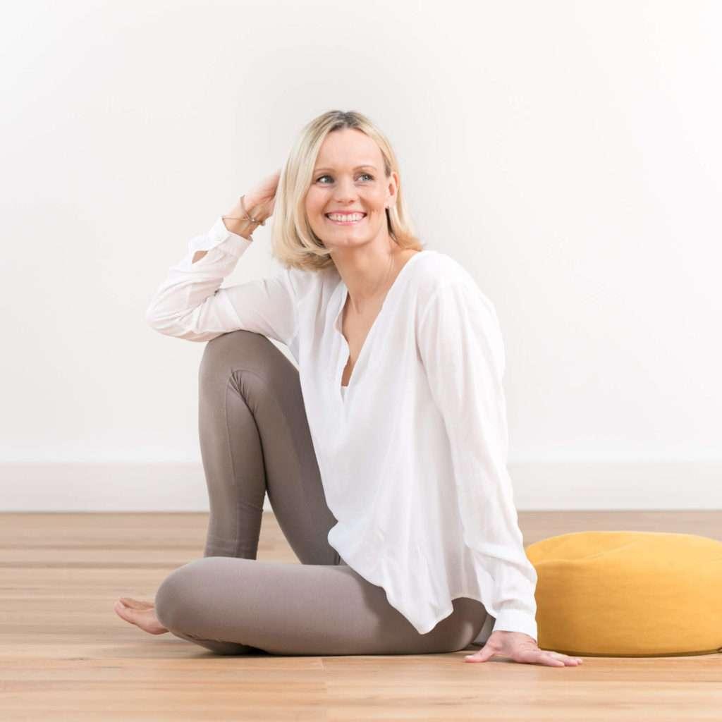 Lisa Schopp im studio, dem exklusiven yogastudio in graz