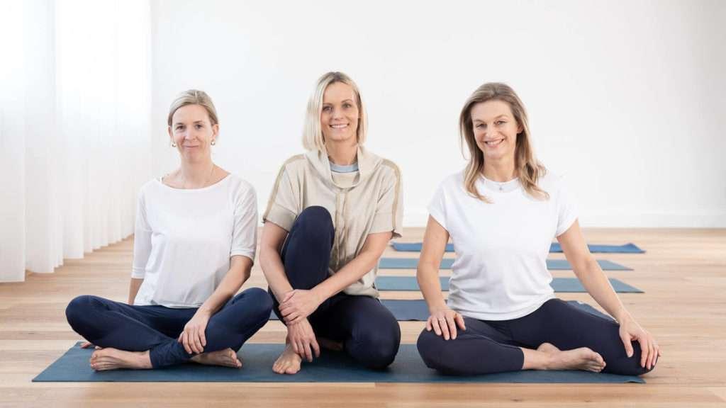 Die Trainerinnen vin studyo, dem exklusiven Yogastudio in Graz