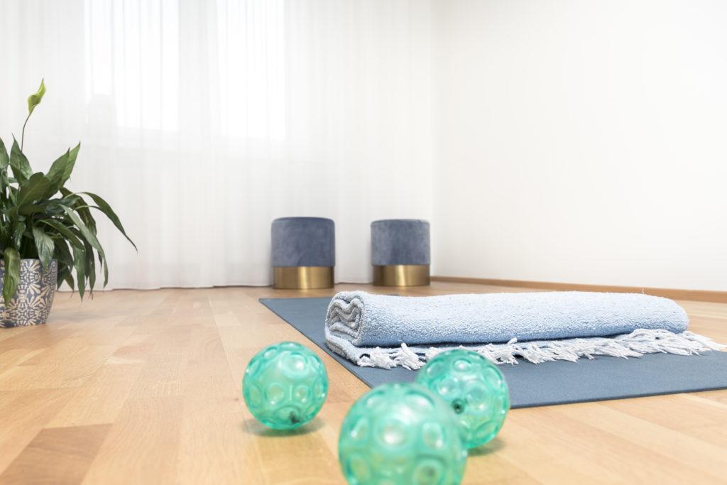 study Yoga Matte und Bälle